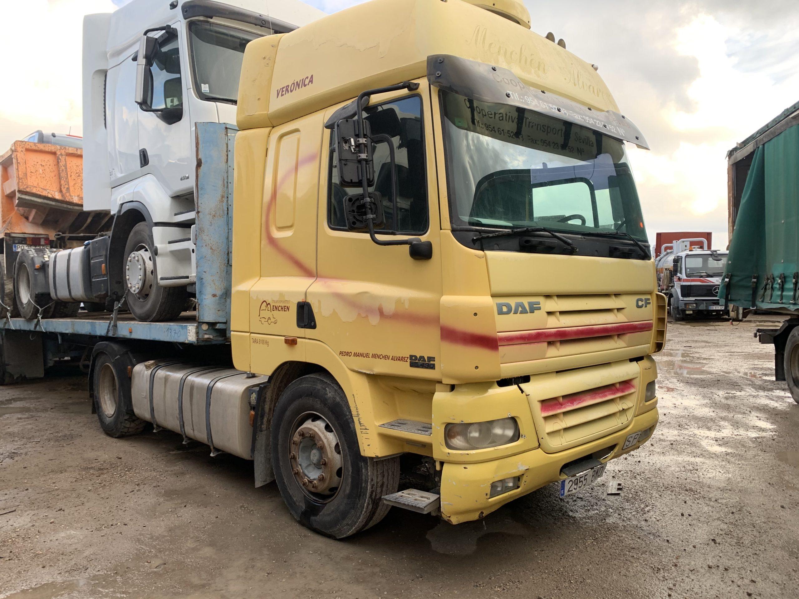 Camion DAF CF Jaune