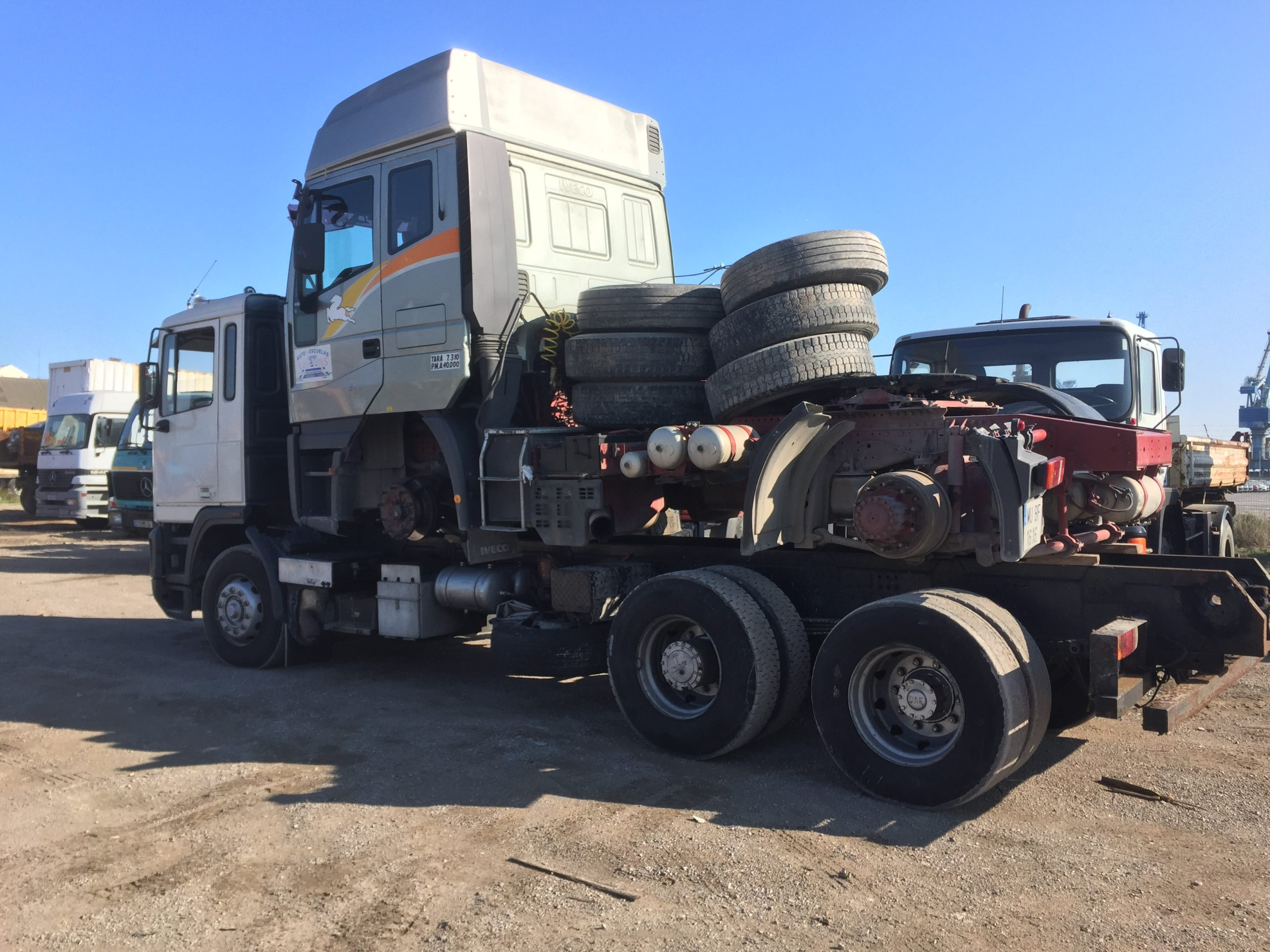Chargement camion 16