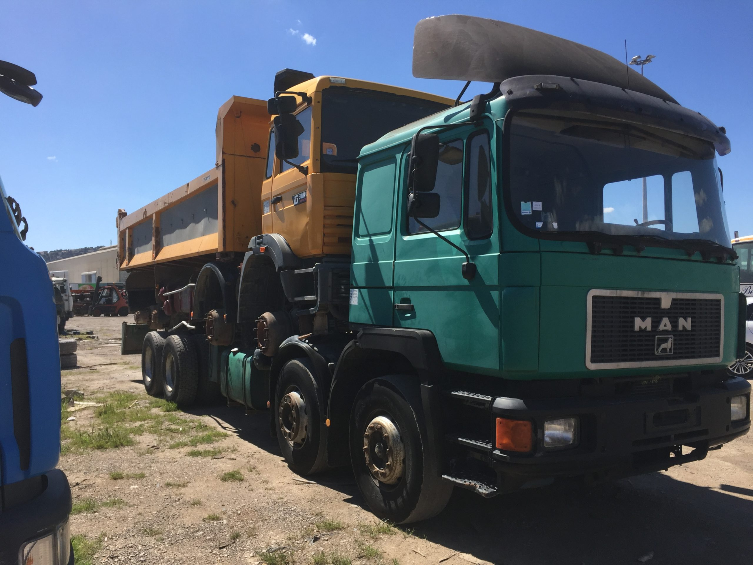 Chargement camion 12