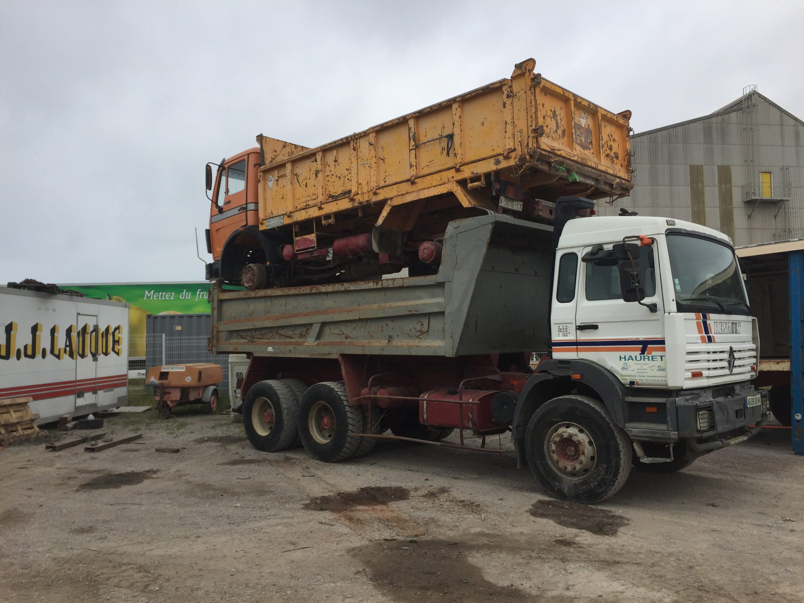 Chargement camion 10